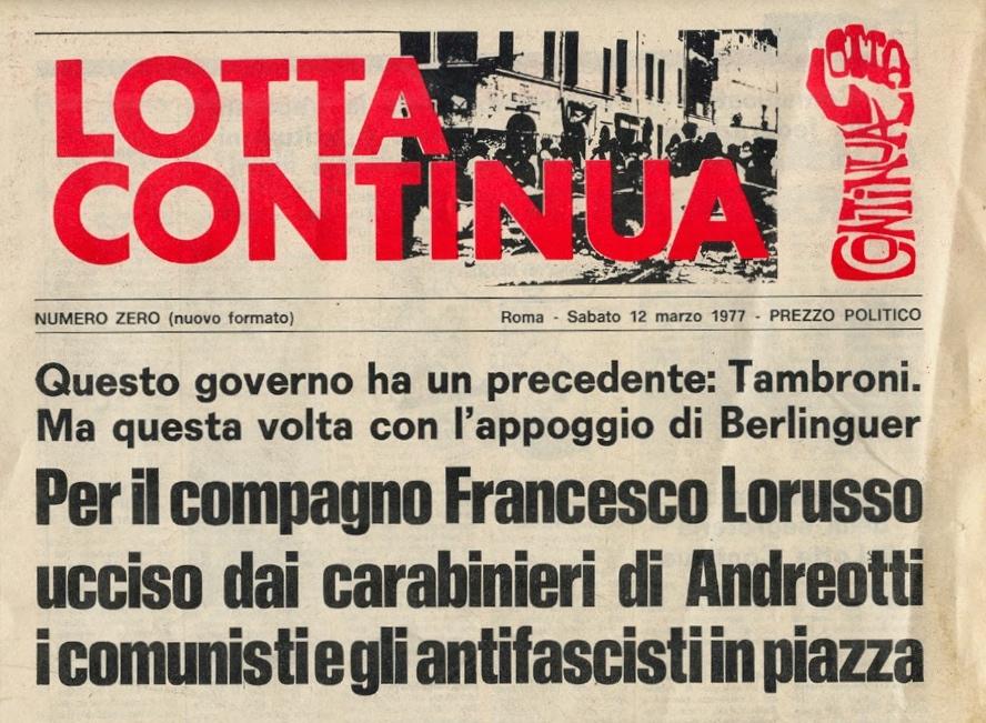 カラビニエリに射殺された学生のために開かれたデモ集会の告知をする当時のLotta continua紙