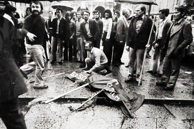 foto storica strage Piazza Loggia Augusto Fenaroli - Fotografo: Stefano Cavicchi